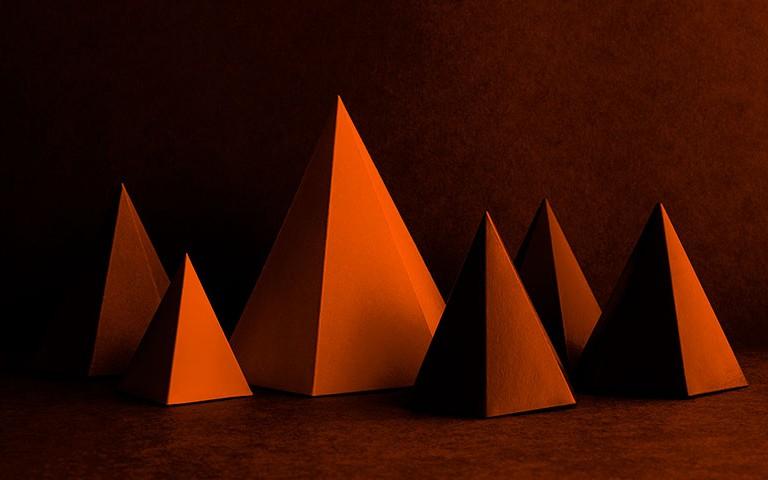 piramide-de-chet-holmes-sua-empresa-sua-este-conceito