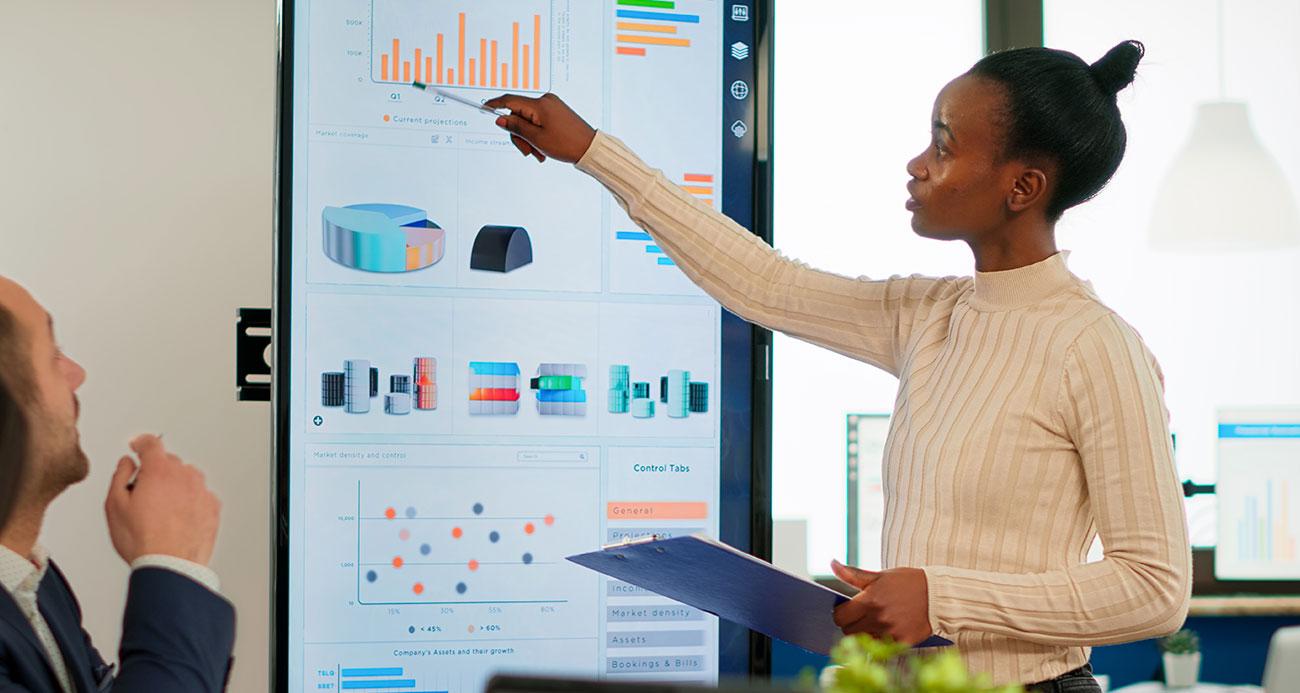 Como aplicar o conceito de Data-driven marketing em tech business?